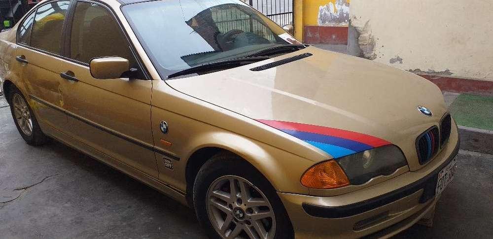BMW 318i 2001 - 14000 km