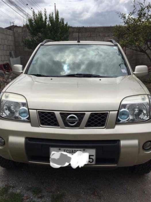 Nissan X-Trail 2010 - 164500 km