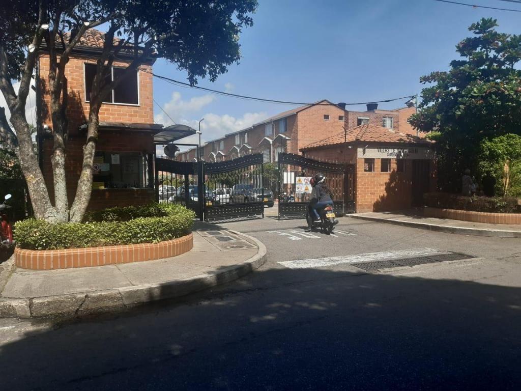 VENDO CASA EN CIUDADELA REAL DE MINAS  CODIGO. 4789327