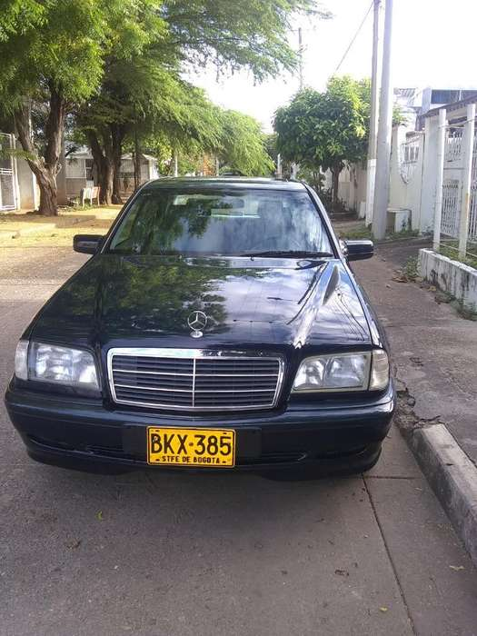 <strong>mercedes-benz</strong> Clase C 1999 - 135000 km