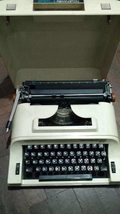 Maquina De Escribir Remington 22 Sperry portatil impecable