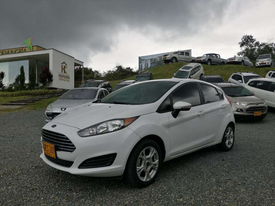 Ford Fiesta  2015 - 40000 km