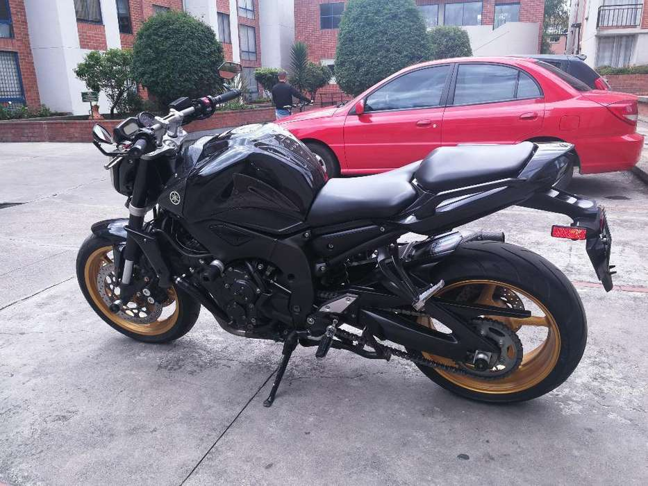 Hermosa Yamaha Fz 1000 2012