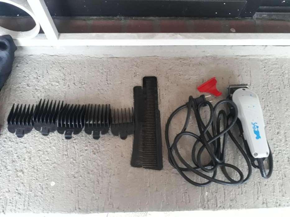 Vendo maquina wall de peluquiar en exelente estado
