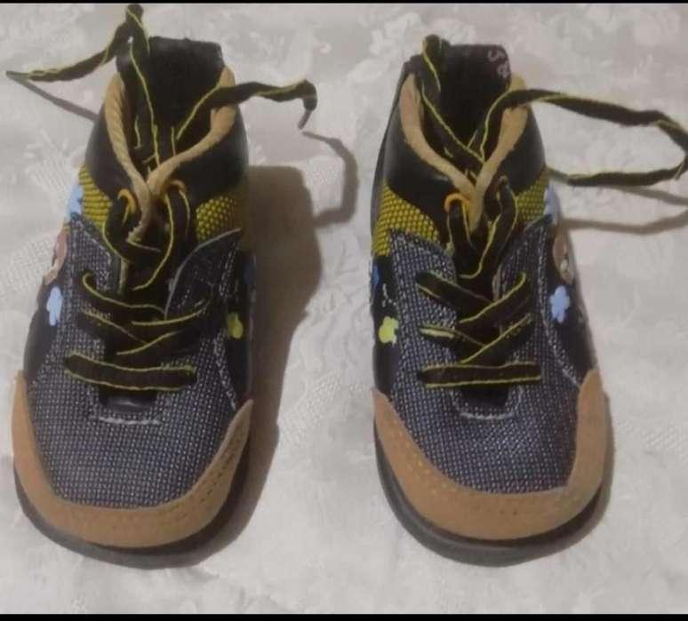 f94ac8f6 2 Pares, Zapatos No Tuerce Niño Talla 22
