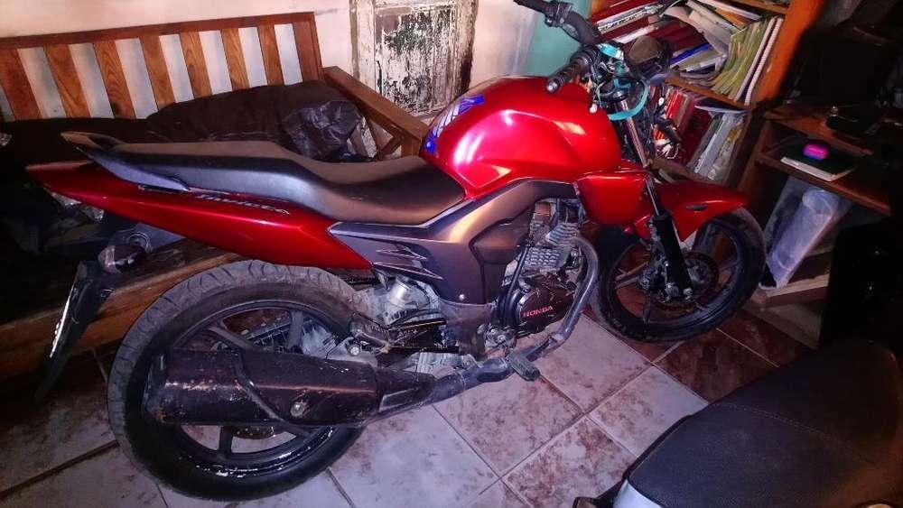 Honda 160cc M2014 con Detalles