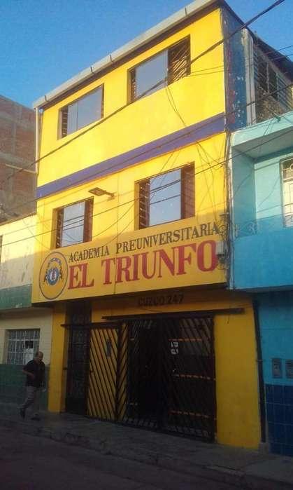 Vendo Local Comercial de tres pisos en el centro de Piura.