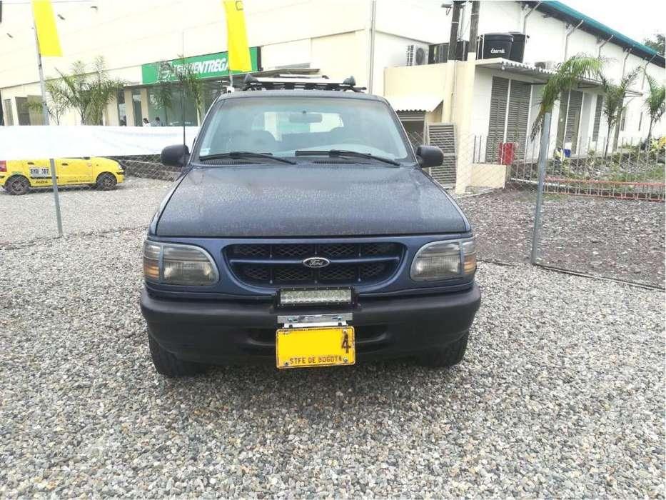 Ford Explorer 1999 - 195000 km