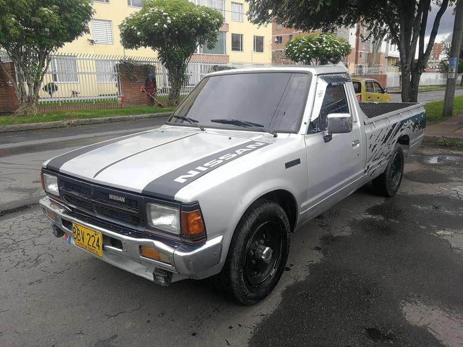 Nissan D-21 1992 - 254000 km
