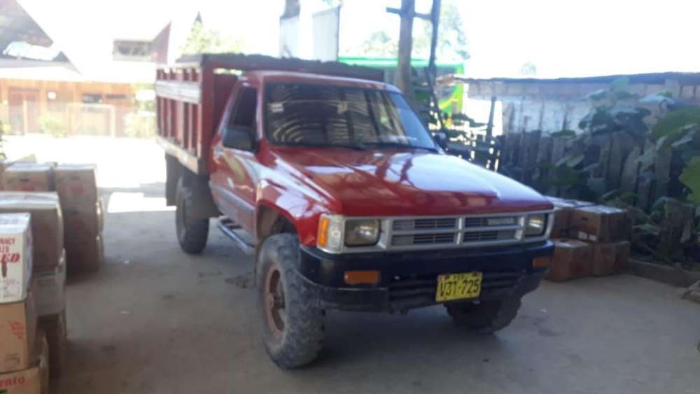 Toyota Hilux 1990 - 15000 km