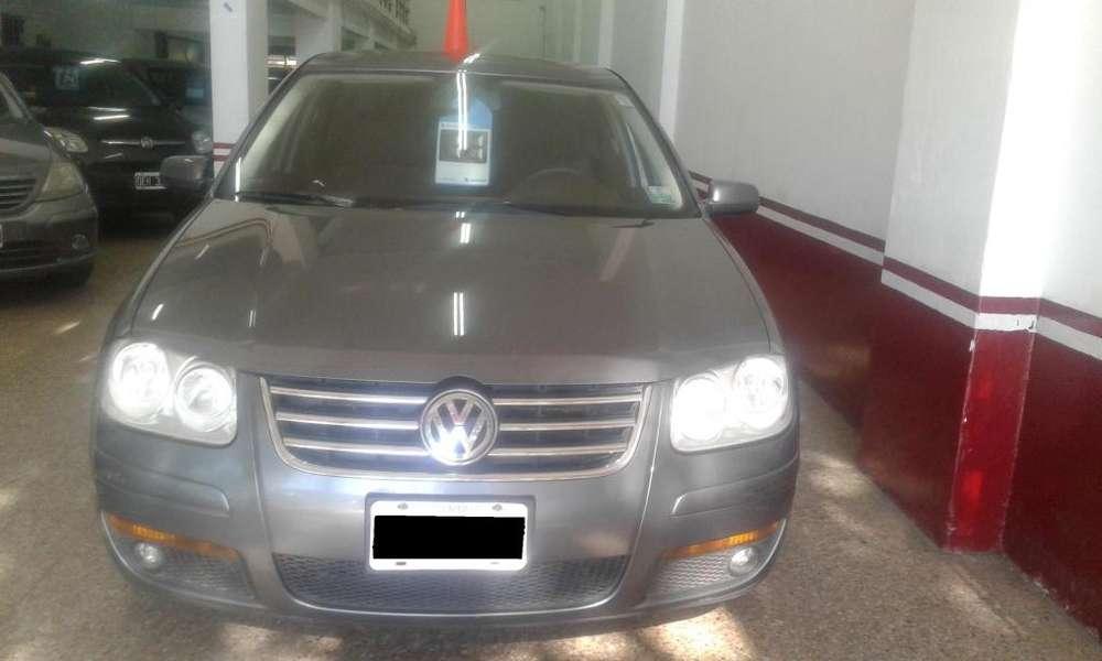 Volkswagen Bora 2011 - 124000 km