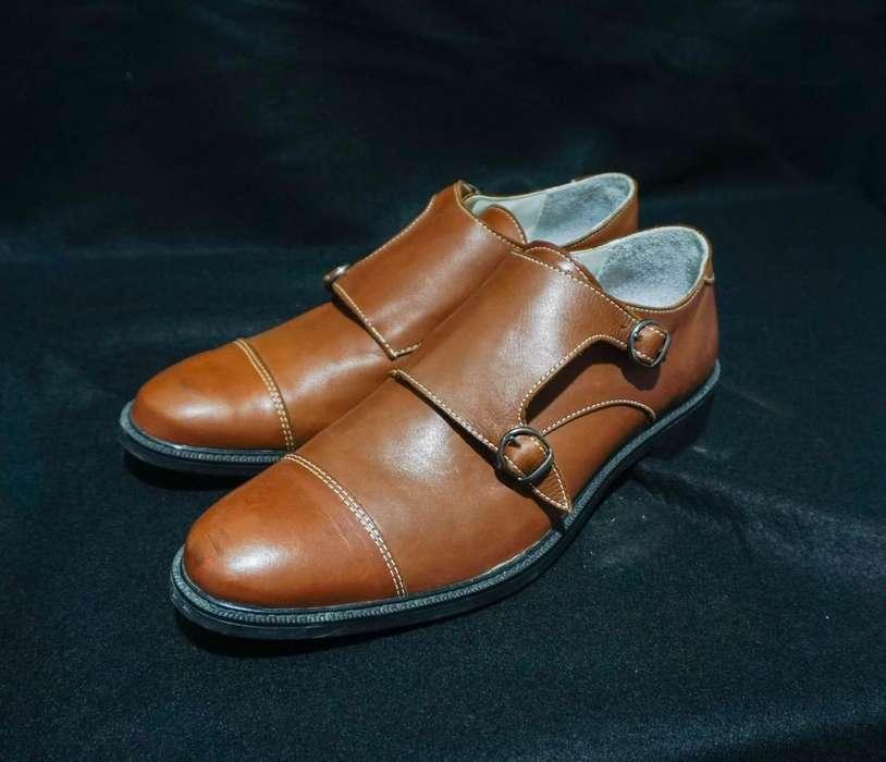 Zapatos talle 43, cuero legitimo, perfecto estado!!!