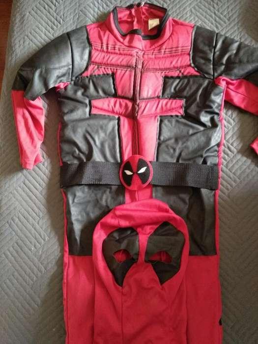 Disfraz de Deadpool.buen Estado. Talla10