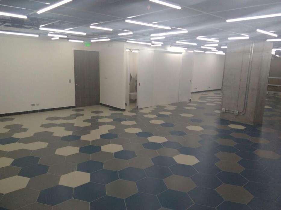 Canon mas Iva, Oficina de 120 metros cuadrados para estrenar