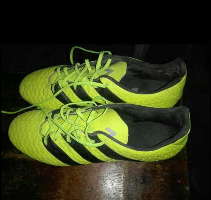 Vendo.permuto Botines Adidas Talle 43