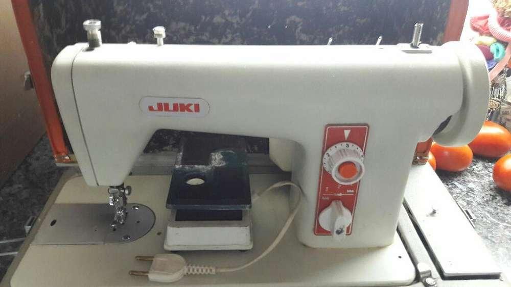 Maquina de Coser Recta Juki