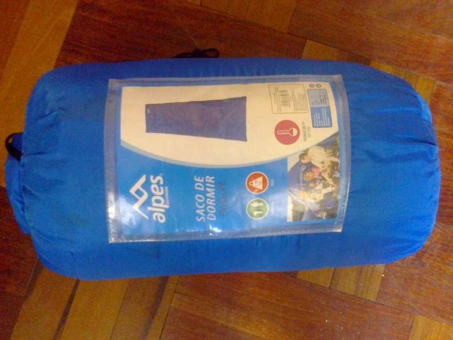 Sleeping o saco de dormir marca Alpes.Ancho 75 cm, largo 220cm, color azul, capacidad 1 persona.