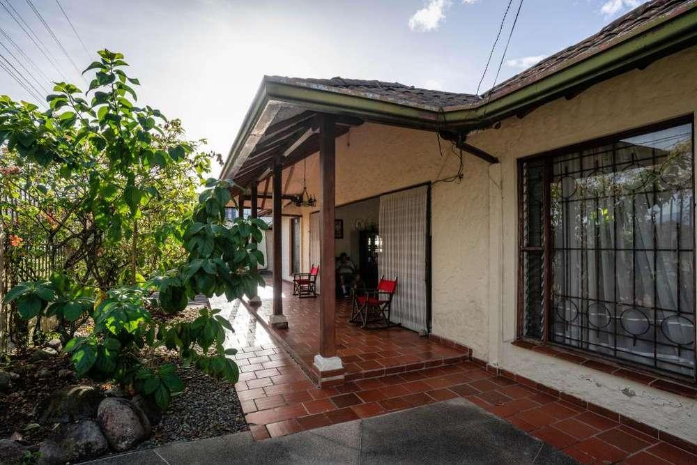 VENTA CASA ANAPOIMA ZONA RESIDENCIAL, 414 MTS2