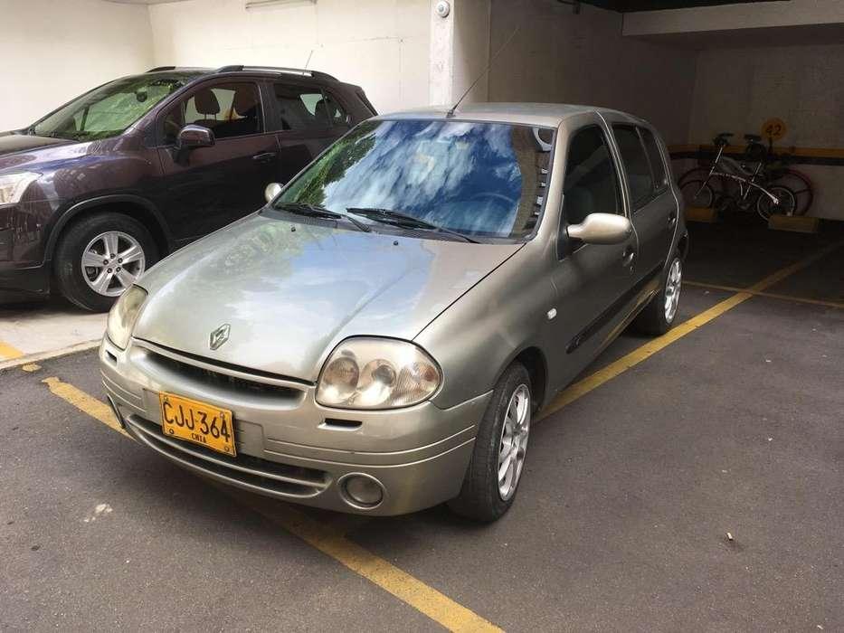 Renault Clio  2002 - 180000 km