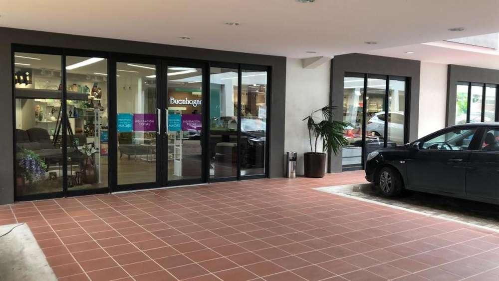 Venta elegante <strong>oficina</strong> en Samborondon Plaza en Samborondon