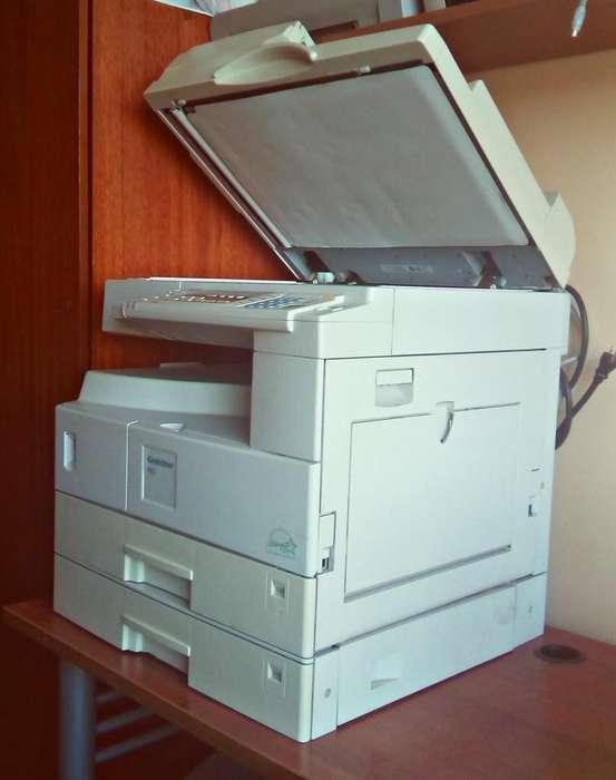 Fotocopiadora Ricoh Aficio (Gestetner 1802) en buen estado