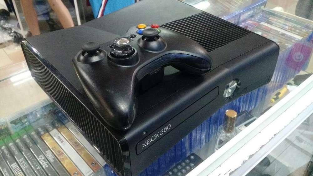 Xbox 360 Slim 5.0 en Buen Estado