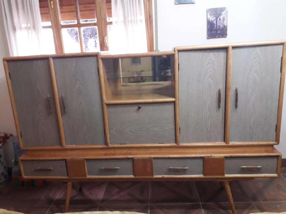 Mueble modular de madera para comedor