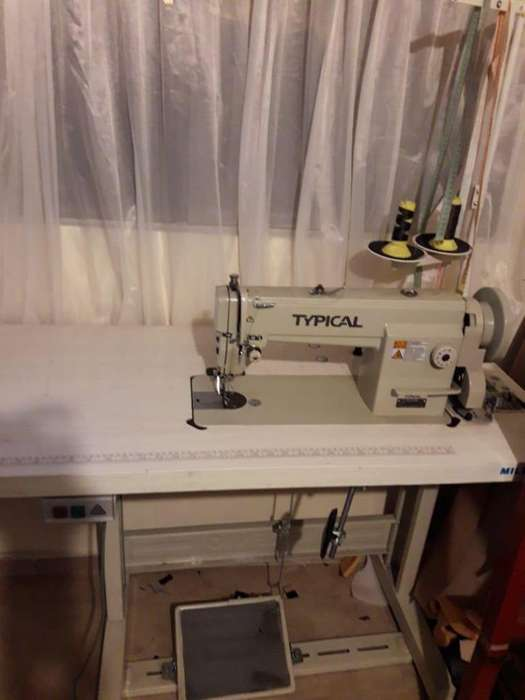 DE OPORTUNIDAD SE VENDE MAQUINA DE COSER MARCA TYPICAL