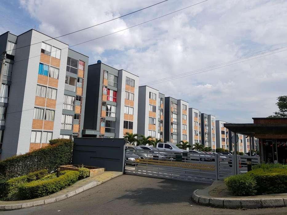 Venta de Apartamento piso 2 en Urb. <strong>campo</strong> Verde, barrio Calasanz. Perfecto estado 175.000.000