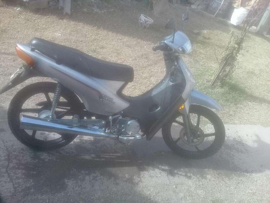 Vendo Moto 110 con Todos Los Papeles