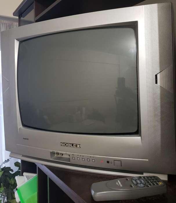 Televisor Noblex. Control Original.