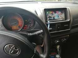 Vendo Toyota Yaris Hatch 2015 - 60000km