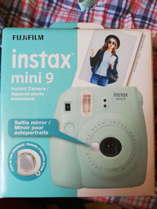 Cámara Instax Mini 9