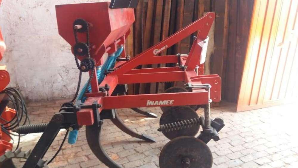 vendo renovador de praderas con tolva abonadora usado