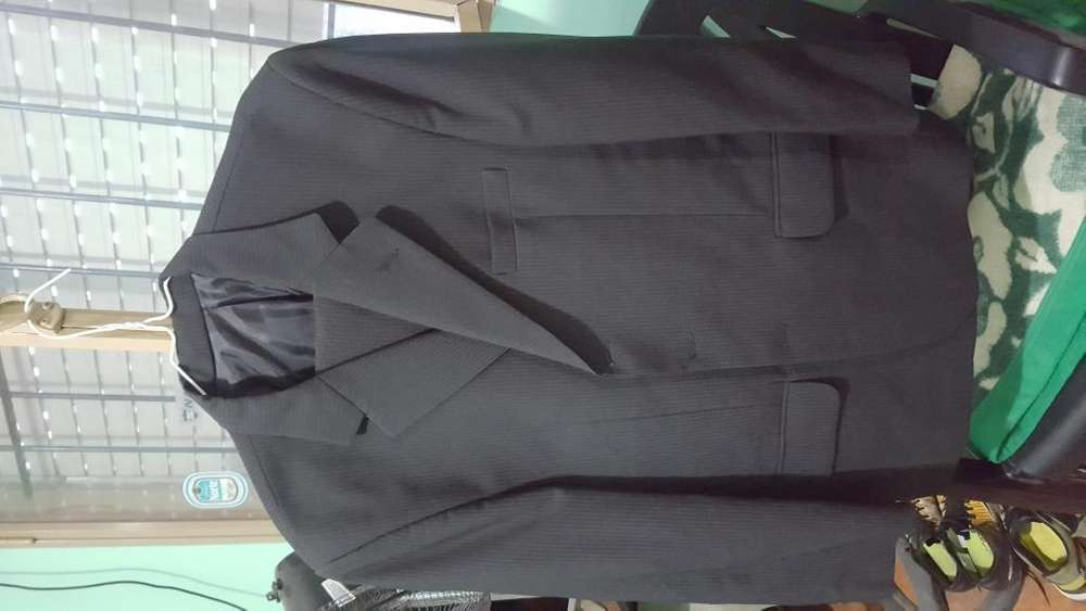 VENDO <strong>traje</strong> IMPECABLE!!
