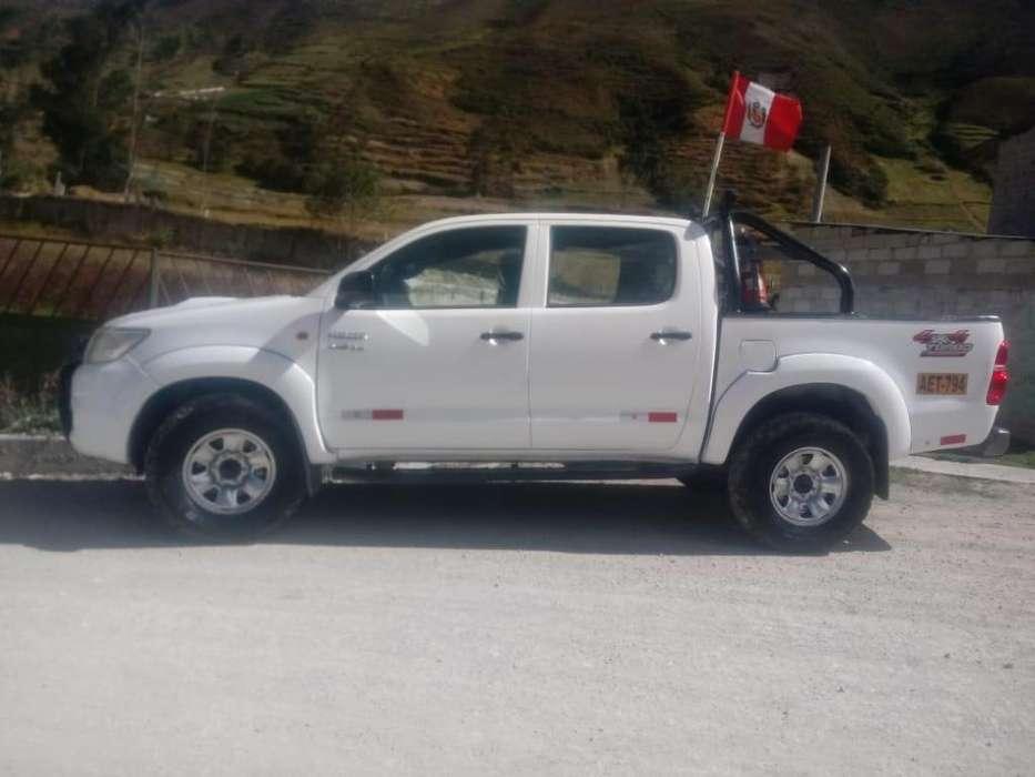 Toyota Hilux 2014 - 95150 km