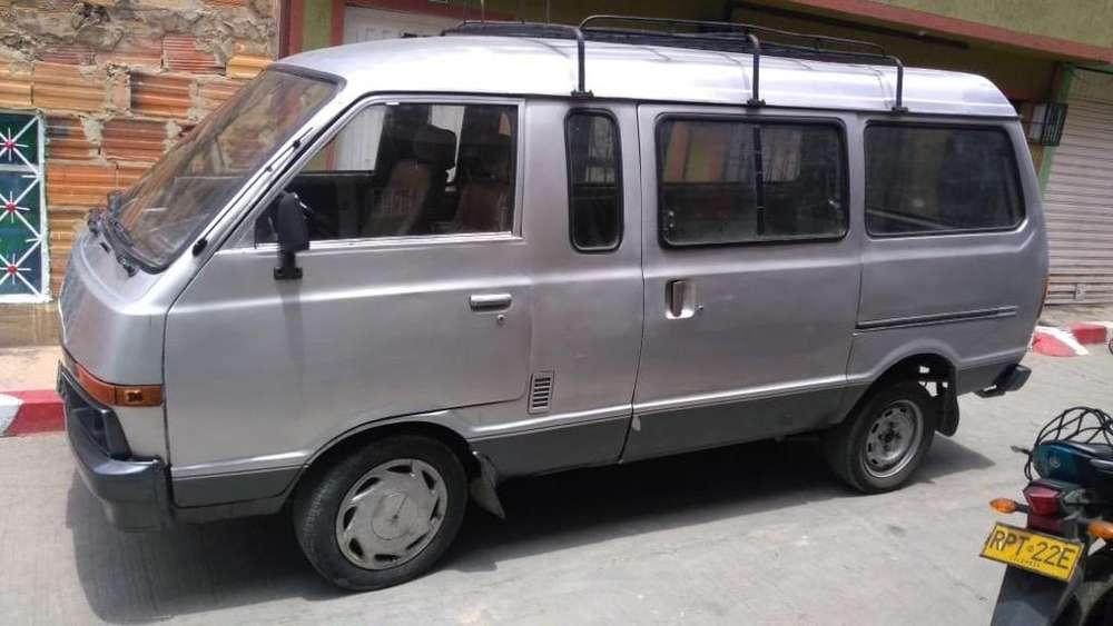 Nissan Vanette 1995 - 500000 km