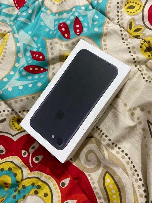 iPhone 7-32 Gb Usado