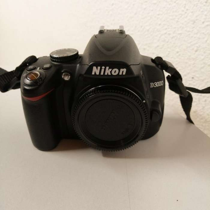 Nikon D3000 10.2mp Digital Slr Camera (s