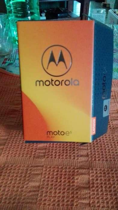 Vendo Un Celular Nuevo con Caja.moto E5