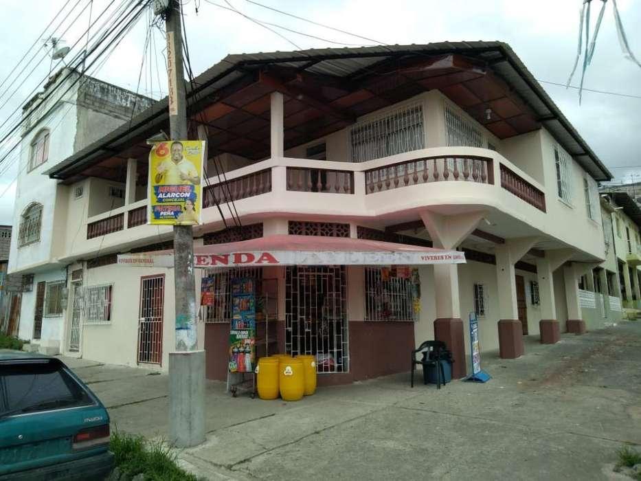 Hermosa Casa en El Centro de Esmeraldas