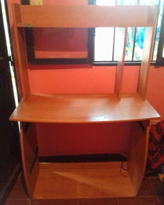 <strong>escritorio</strong> Mesa para Pc en Muy Buen Esta