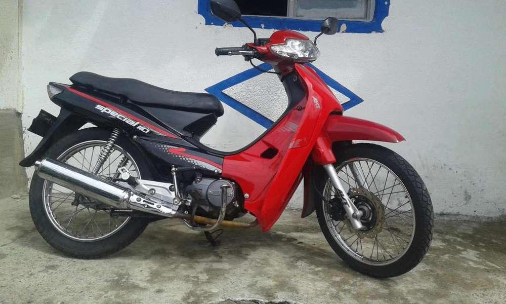 se vende moto special 110