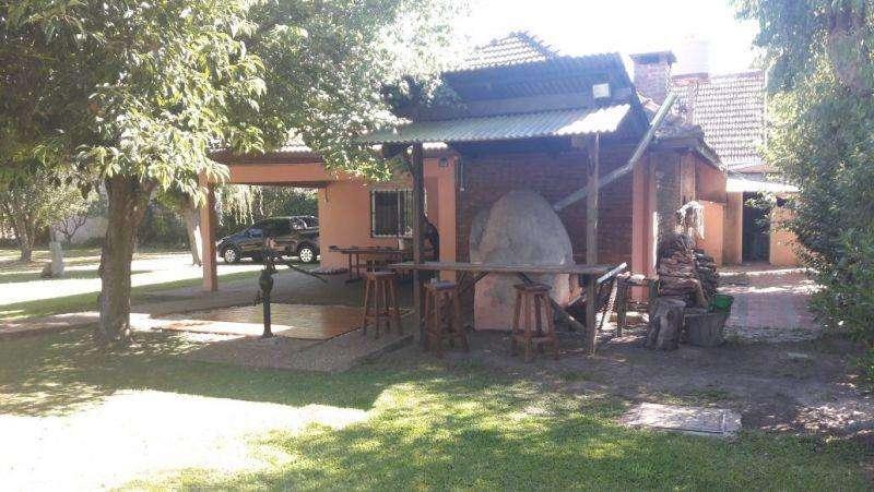 Casa en Venta en Los ombues, Florencio varela US 180000