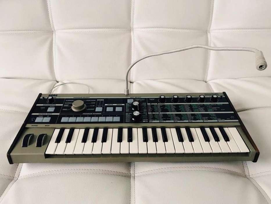 Sintetizador Korg MicroKORG MK1 (Micrófono Original)