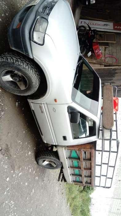Camioneta 4x4, Motor 2.2 a Toda Prueba