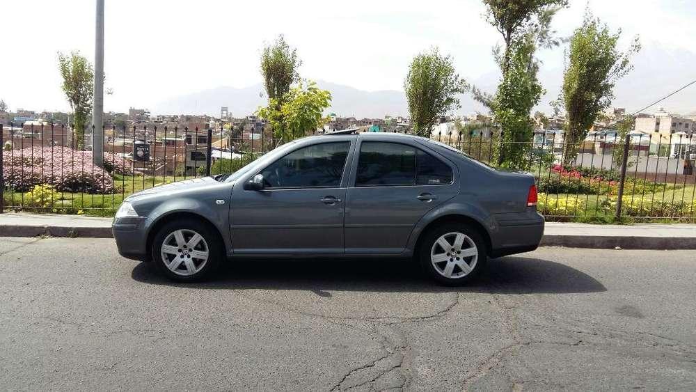 Volkswagen Bora 2011 - 8800 km
