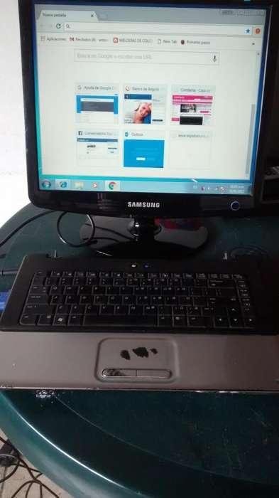 computador portatil con pantalla aparte