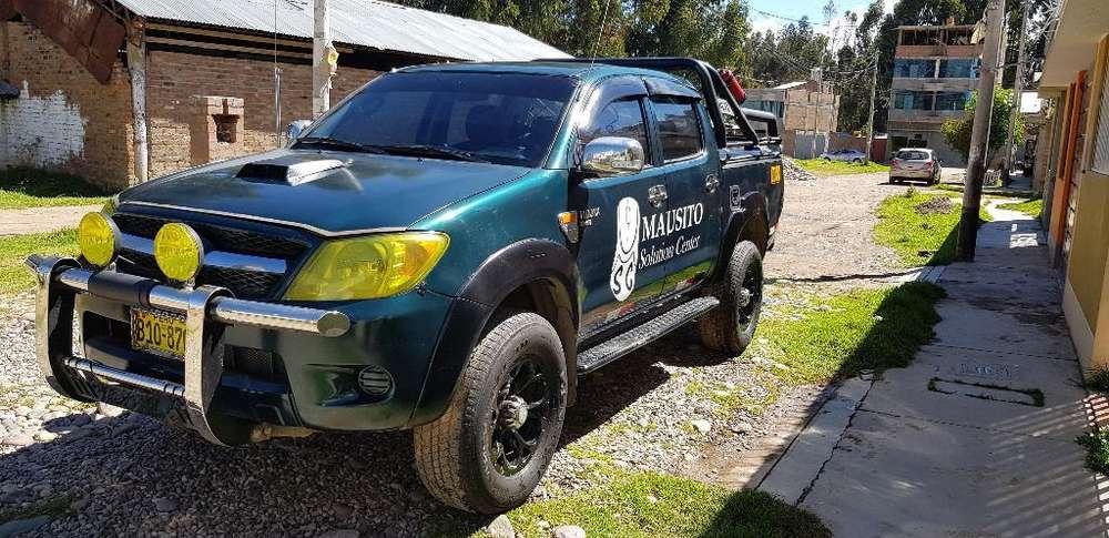 Toyota Hilux 2005 - 109000 km