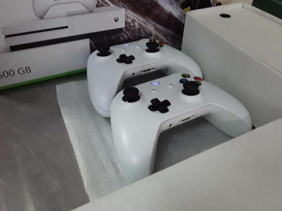xbox One s 500gb 10 DE 10 Como nuevo